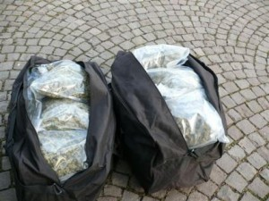 -festnahme-zwei-drogenkurieren-10-kg-marihuana-sichergestellt