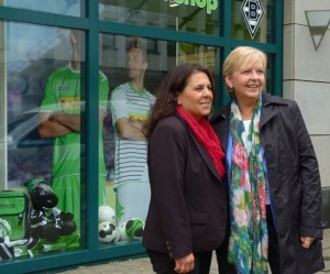 Hannelore Kraft in Rheydt mit Gülistan Yüksel