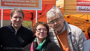 Doris Jansen mit Dieter Breymann (r.) und Jochen Klenner (l.)