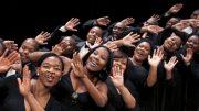 cape-town-opera-chorus-foto: lucienne-van-der-mijle